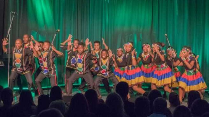 19-05 Ndlovu Youth Choir beim Vilbeler Konzert